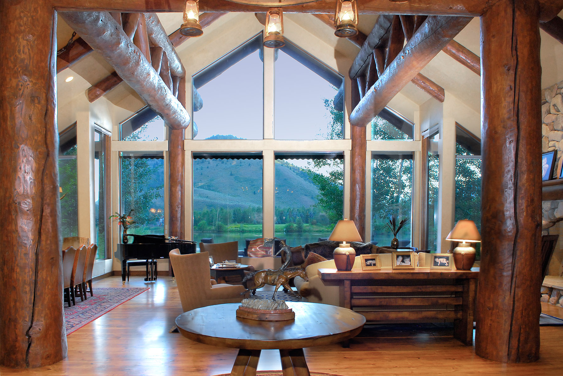 Luxury log home over looking the water with mountain views in Sun Valey Idaho